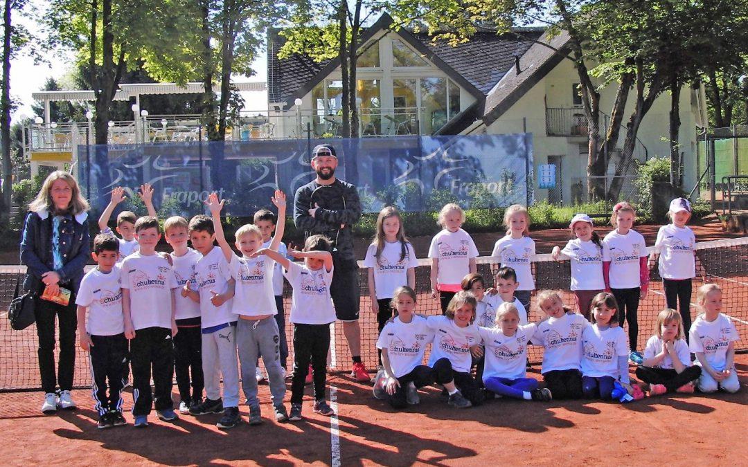 Hartmutschule im Tennisfieber – tennis 65 macht's möglich